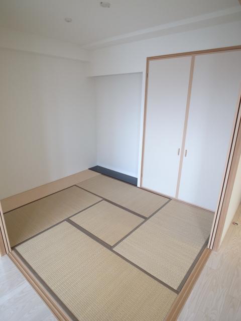 物件番号: 1025870363 レジュール ザ・元町駅前  神戸市中央区北長狭通4丁目 2LDK マンション 画像3