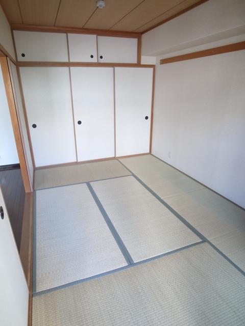 物件番号: 1025882540 メゾン・ドュウ  神戸市中央区中山手通2丁目 2LDK マンション 画像4