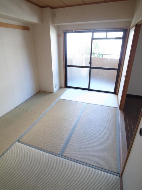 物件番号: 1025882540 メゾン・ドュウ  神戸市中央区中山手通2丁目 2LDK マンション 画像5