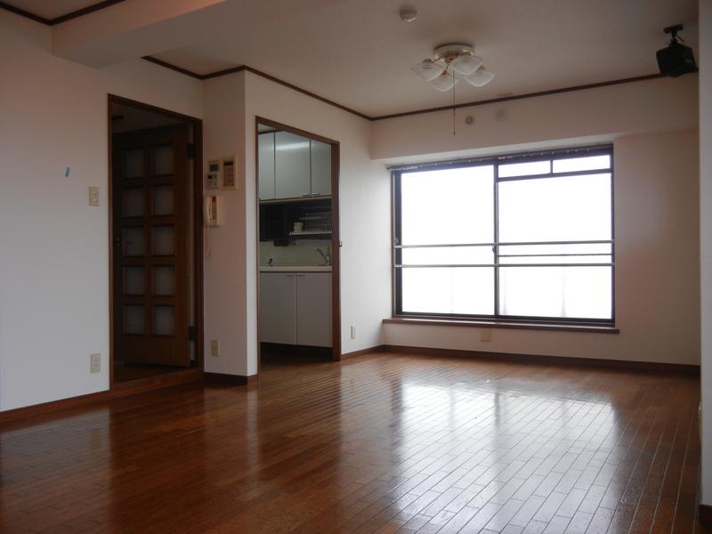 物件番号: 1025853357 サンヴェール青谷  神戸市灘区赤坂通8丁目 3LDK マンション 画像2