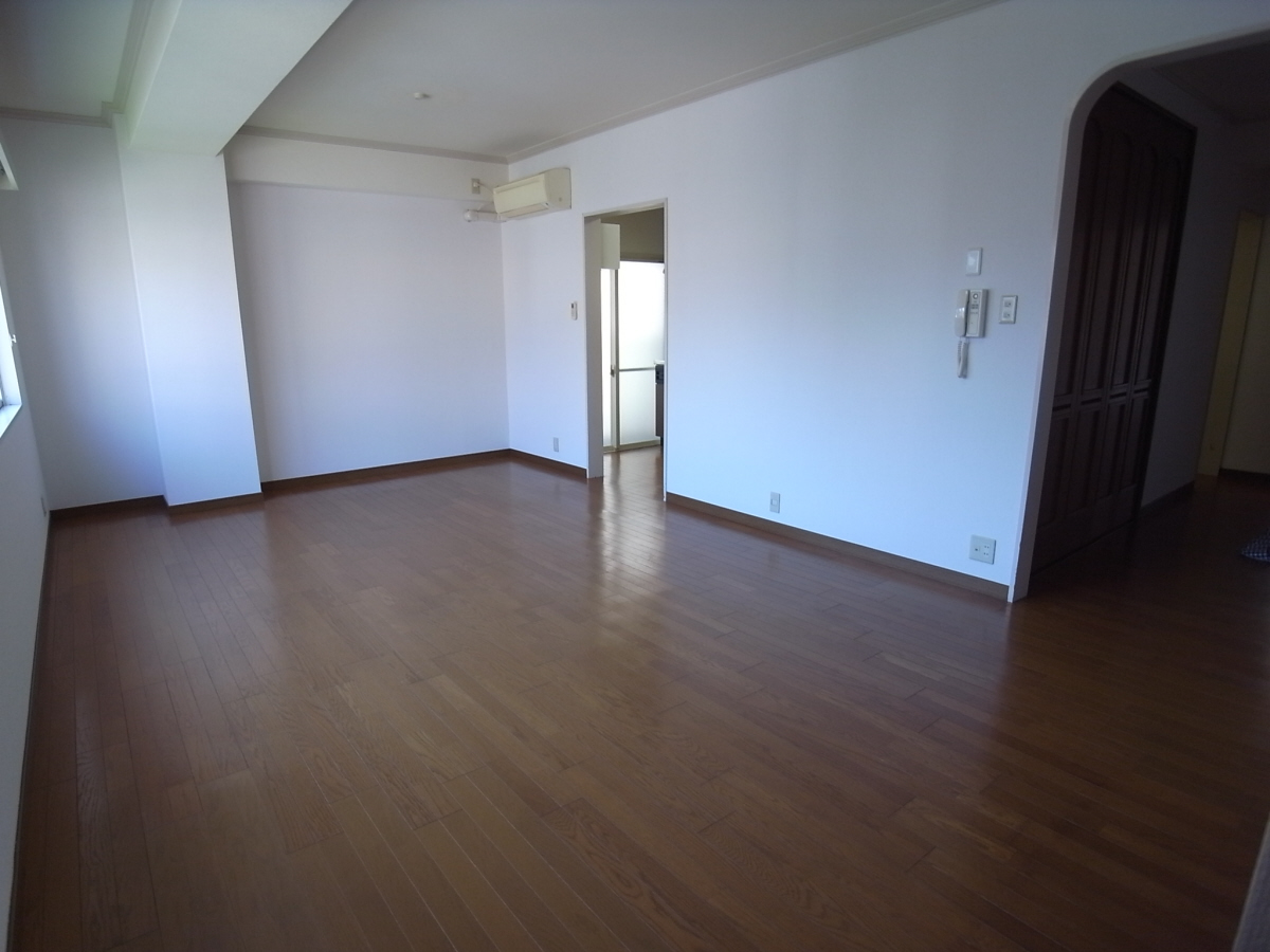 物件番号: 1025800313 第6スカイマンション  神戸市中央区山本通2丁目 2LDK マンション 画像2