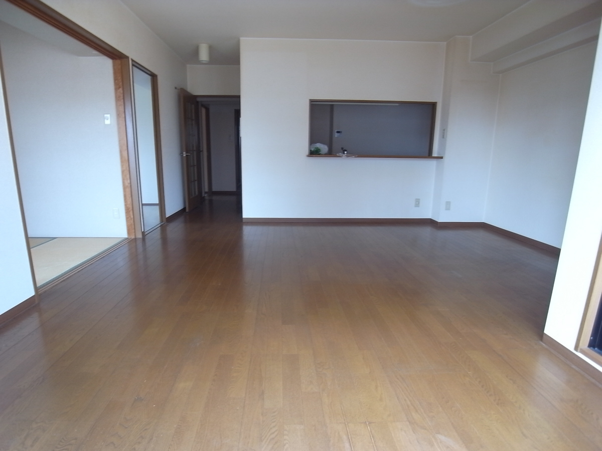 物件番号: 1025803116 エステムコート三宮東  神戸市中央区八雲通1丁目 3LDK マンション 画像3