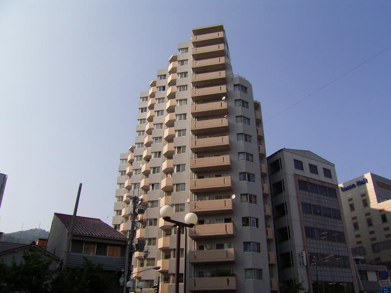 物件番号: 1025881696 中山手セントポリア  神戸市中央区中山手通4丁目 3LDK マンション 外観画像