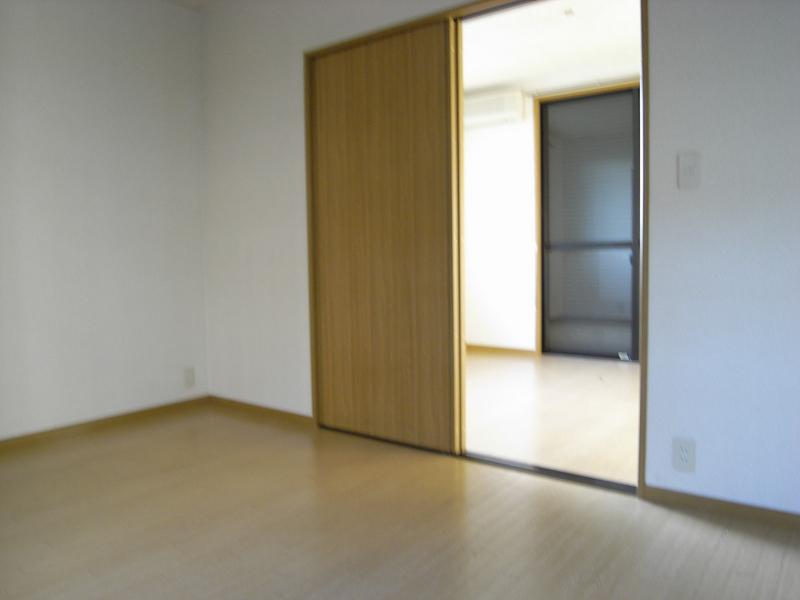 物件番号: 1025805842 中山手ガーデンパレスC棟  神戸市中央区中山手通7丁目 2K ハイツ 画像2