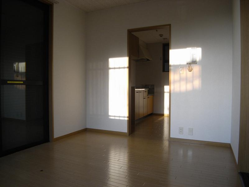 物件番号: 1025805842 中山手ガーデンパレスC棟  神戸市中央区中山手通7丁目 2K ハイツ 画像3