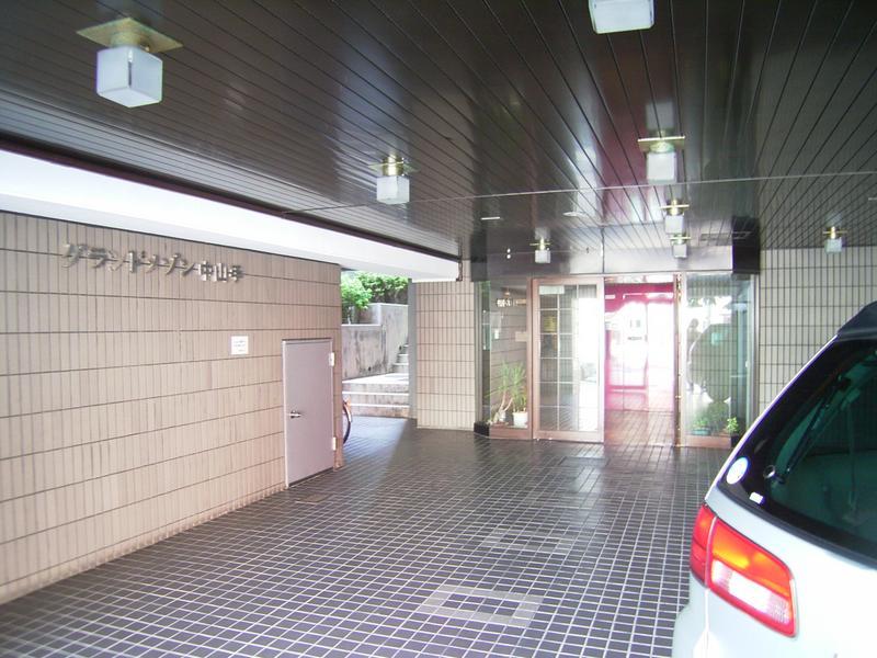 物件番号: 1025868010 グランドメゾン中山手  神戸市中央区中山手通4丁目 3LDK マンション 画像1