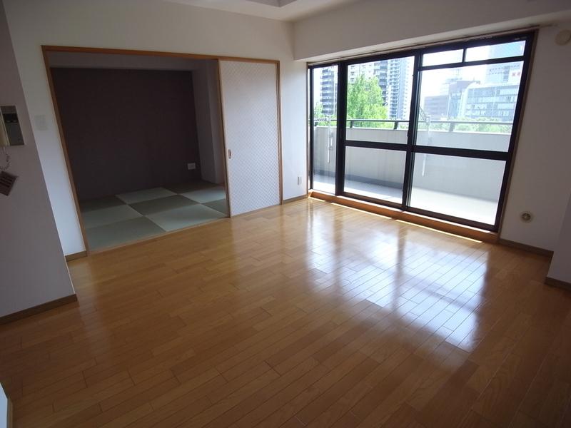 物件番号: 1025807823 エスリード三宮フラワーロード  神戸市中央区磯辺通4丁目 2SLDK マンション 画像1