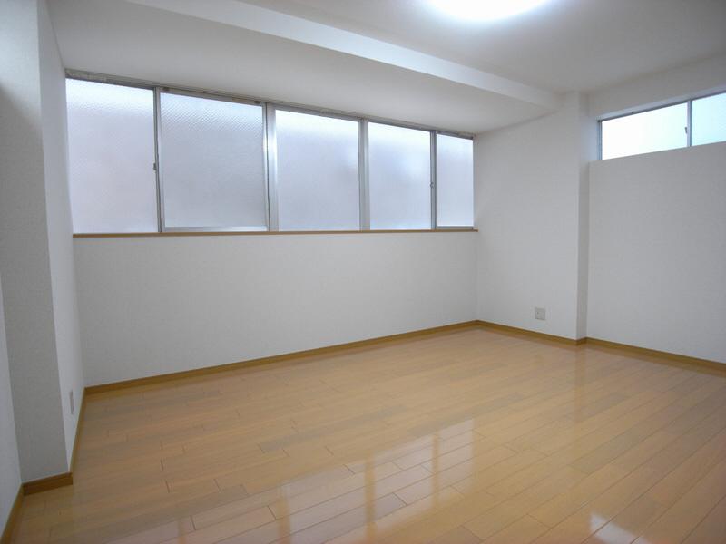 物件番号: 1025809389 Yuzenビル  神戸市中央区元町通5丁目 1K マンション 画像2