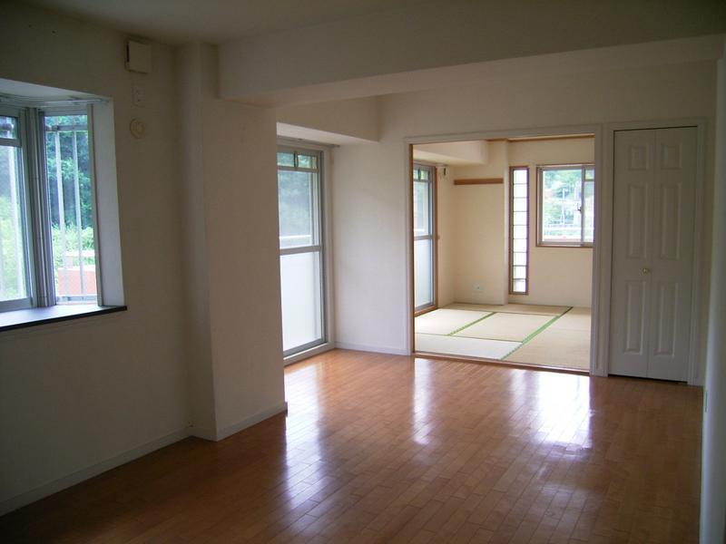 物件番号: 1025810056 ヴィルブランシェファーストステージ  神戸市北区緑町8丁目 3LDK マンション 画像5