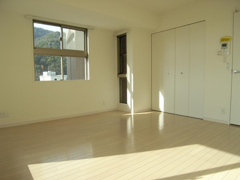 物件番号: 1025813498 WOB SHINKOBE  神戸市中央区熊内町4丁目 1K マンション 画像1
