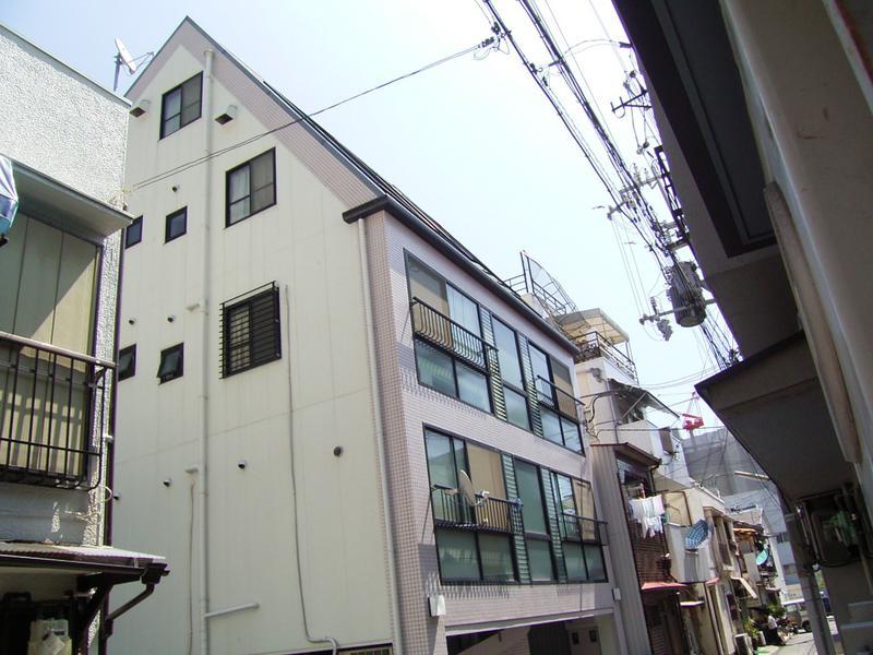 エステート神戸 203の外観