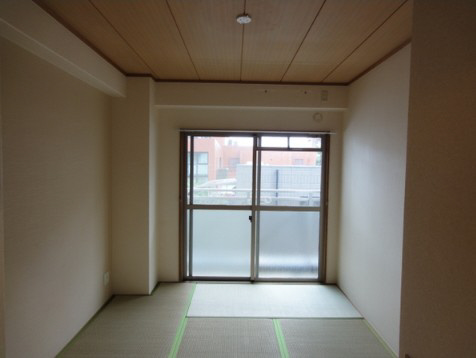 物件番号: 1025812992 グランシャリオ山手田邉  神戸市中央区下山手通6丁目 2DK マンション 画像2