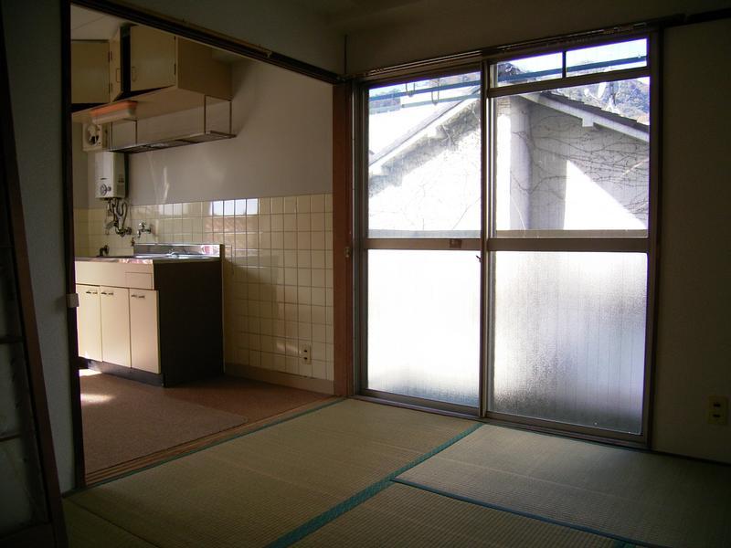 物件番号: 1025815393 雲中マンション  神戸市中央区熊内町2丁目 2DK マンション 画像2