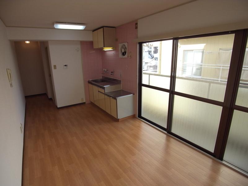 物件番号: 1025813324 ロイヤルマロンハイツ  神戸市中央区山本通3丁目 1R マンション 画像2