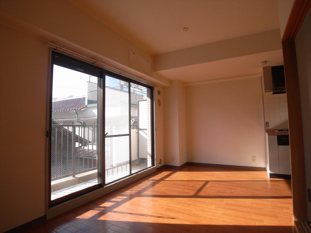 物件番号: 1025819545 フロール中山手  神戸市中央区中山手通7丁目 2LDK マンション 画像2