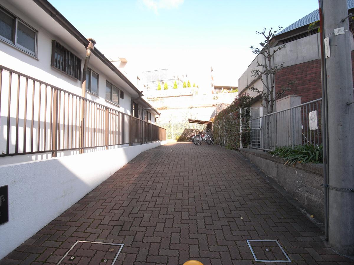 物件番号: 1025819545 フロール中山手  神戸市中央区中山手通7丁目 2LDK マンション 画像16