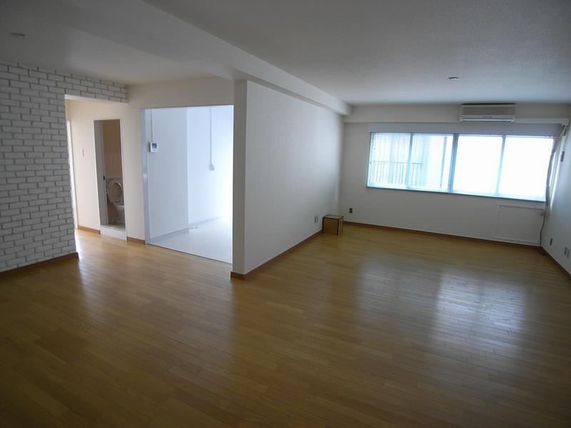 物件番号: 1025819702 第2スカイマンション  神戸市中央区北野町4丁目 2LDK マンション 画像2