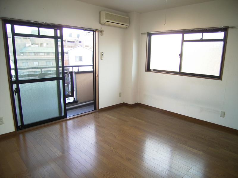 物件番号: 1025820632 ロイヤルヒル  神戸市中央区八雲通5丁目 1K マンション 画像1