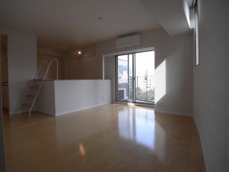 物件番号: 1025870919 ワイズコーポレーションビルディング  神戸市中央区下山手通2丁目 1R マンション 画像1
