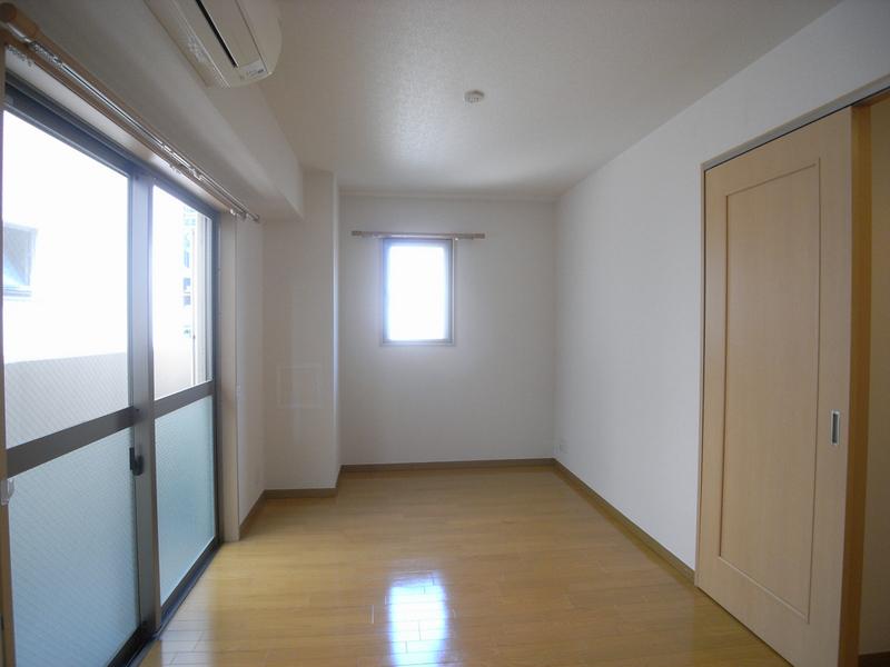 物件番号: 1025875557 シャーメゾン三宮  神戸市中央区八雲通6丁目 1LDK マンション 画像3