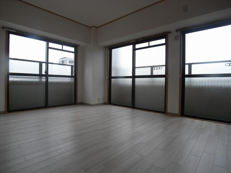 物件番号: 1025874487 シャトー・ド・フェニックス  神戸市中央区二宮町3丁目 1DK マンション 画像2