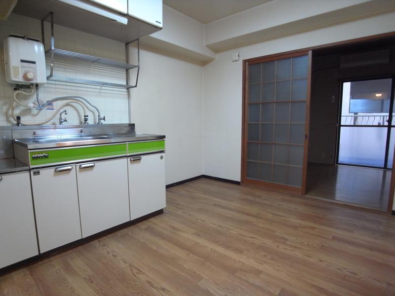 物件番号: 1025882294 鯉川マンション  神戸市中央区下山手通4丁目 1LDK マンション 画像2