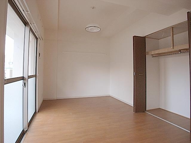 物件番号: 1025882842 ソレイユ アンド メイプル  神戸市兵庫区入江通2丁目 2LDK マンション 画像3