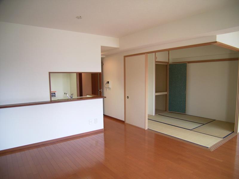 物件番号: 1025883346 レジディア三宮東  神戸市中央区磯上通3丁目 2LDK マンション 画像1