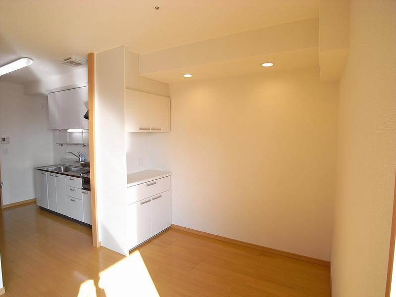 物件番号: 1025867151 古満ゲボイデ  神戸市中央区海岸通3丁目 1LDK マンション 画像7