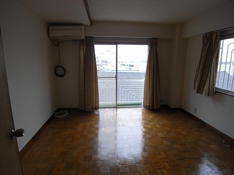 物件番号: 1025827972 第1スカイマンション  神戸市中央区北野町4丁目 2LDK マンション 画像3
