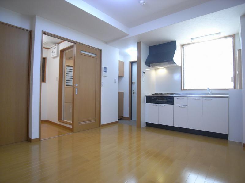 物件番号: 1025839639 レガーロ三宮  神戸市中央区旭通3丁目 2LDK マンション 画像2