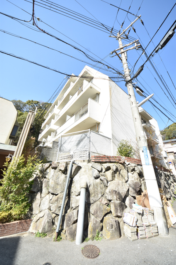 物件番号: 1025835232 熊内マンション  神戸市中央区熊内町5丁目 2DK マンション 外観画像