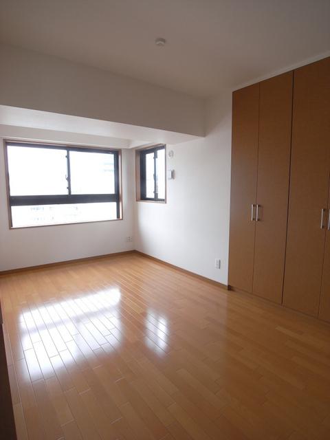 物件番号: 1025866633 リーガル神戸海岸通り  神戸市中央区海岸通4丁目 2LDK マンション 画像3