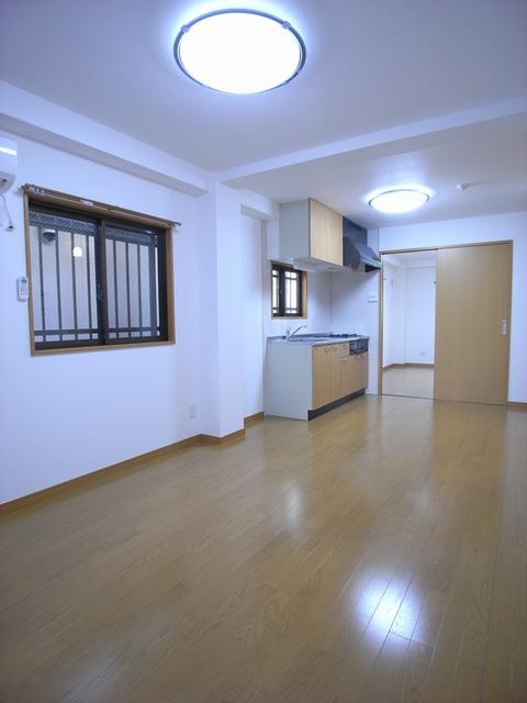 物件番号: 1025870305 リーフマンション  神戸市中央区旭通2丁目 1LDK マンション 画像1