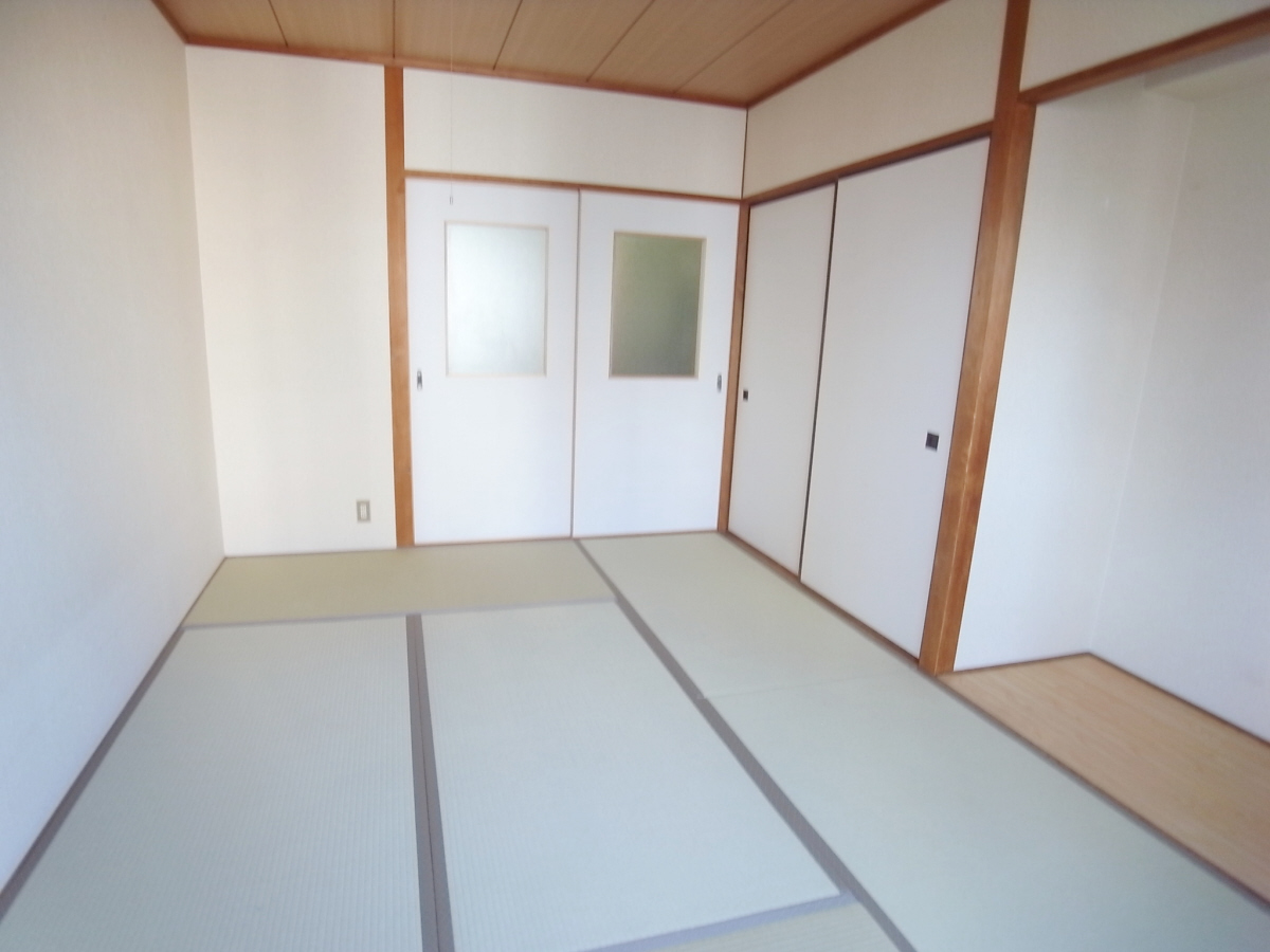 物件番号: 1025875409 マツモトビル  神戸市中央区加納町3丁目 1K マンション 画像2