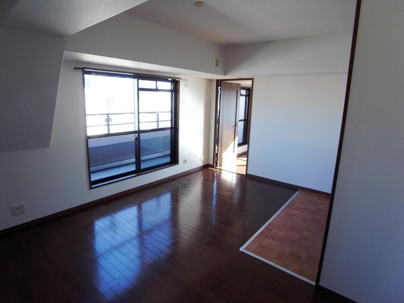 物件番号: 1025854856 リーガル神戸元町  神戸市中央区北長狭通4丁目 3LDK マンション 画像3