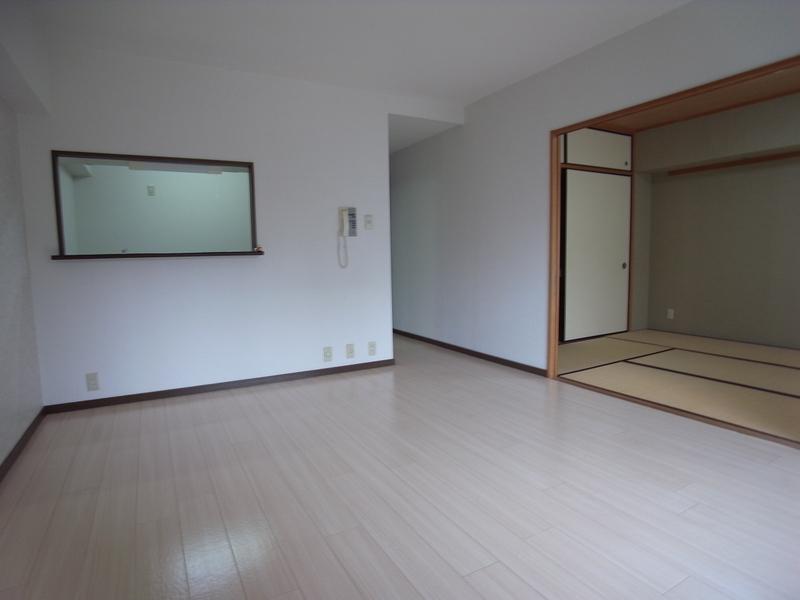 物件番号: 1025882886 ライフ新神戸  神戸市中央区生田町1丁目 3LDK マンション 画像2