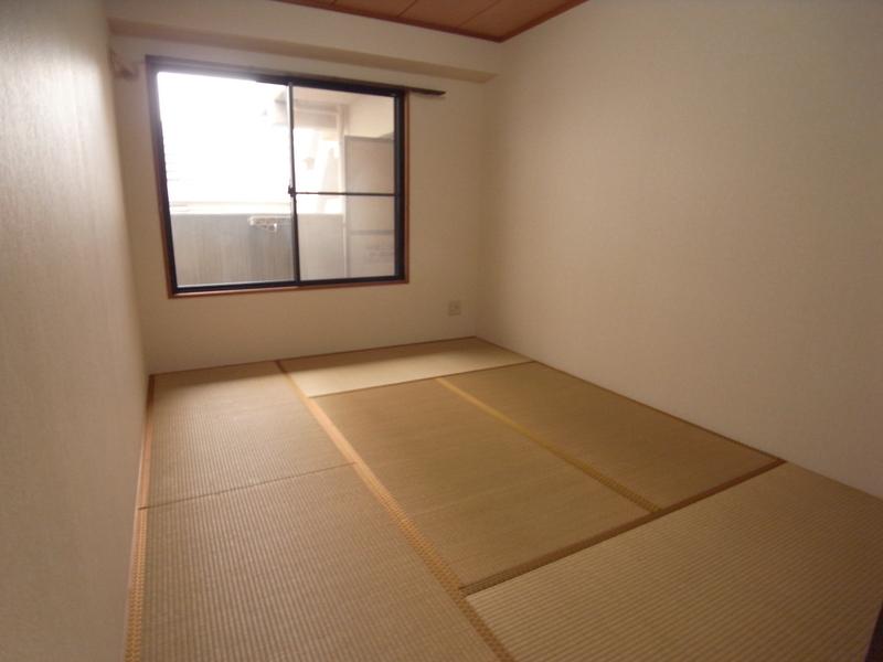物件番号: 1025868940 ウエストコート1番館  神戸市兵庫区塚本通8丁目 2LDK マンション 画像3