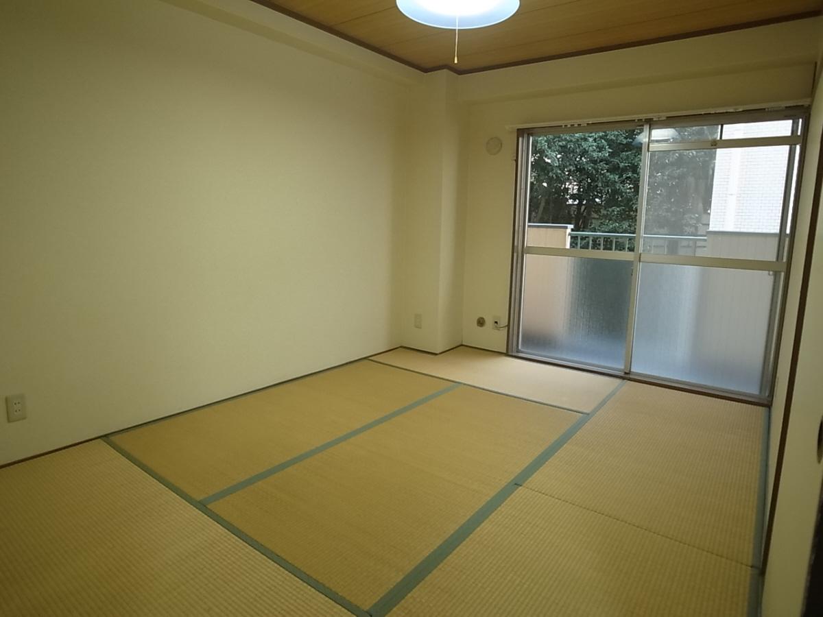 物件番号: 1025858674 三葉ハイツ  神戸市中央区山本通4丁目 2LDK マンション 画像4