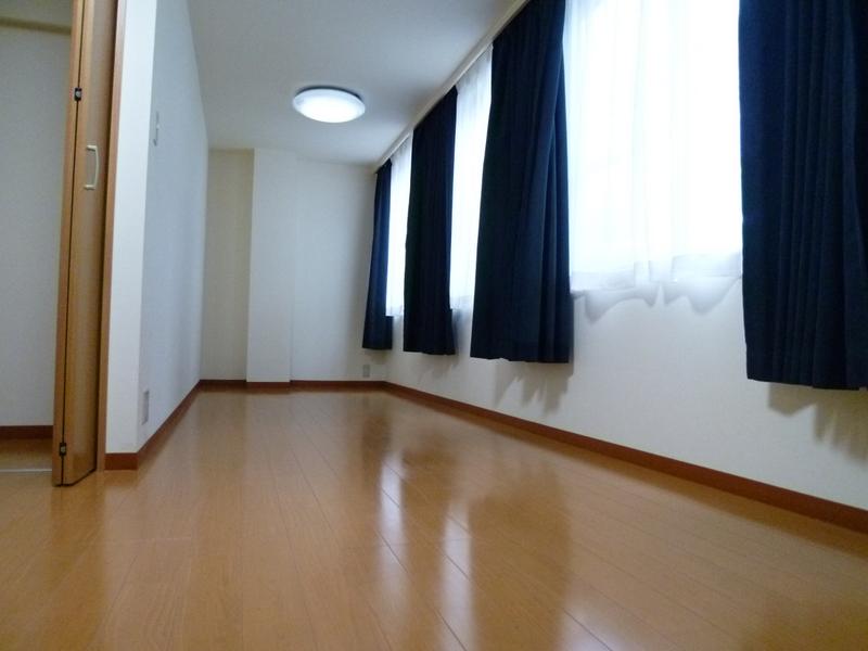 物件番号: 1025860735 n・i BLDG.  神戸市中央区元町通4丁目 1DK マンション 画像1