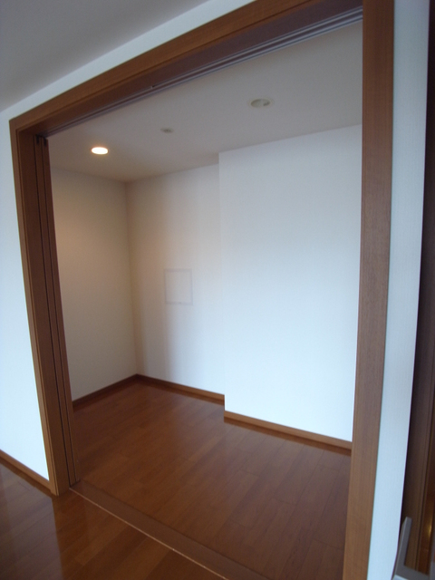 物件番号: 1025861240 ワコーレ ザ・トアロードレジデンス  神戸市中央区中山手通2丁目 2SLDK マンション 画像2