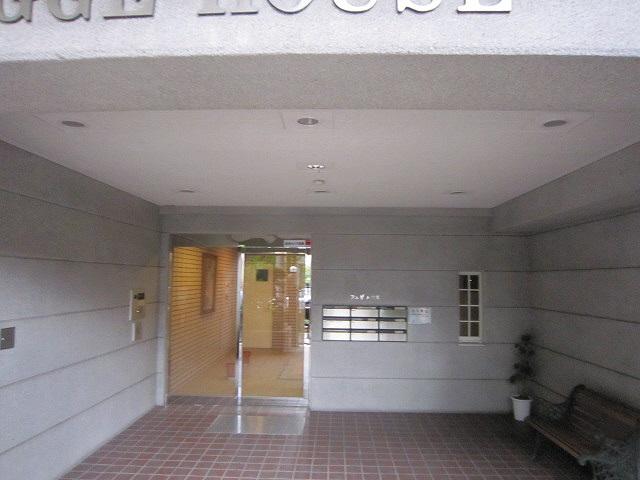 物件番号: 1025861985 フュゲハウス  神戸市中央区籠池通3丁目 3LDK マンション 画像1