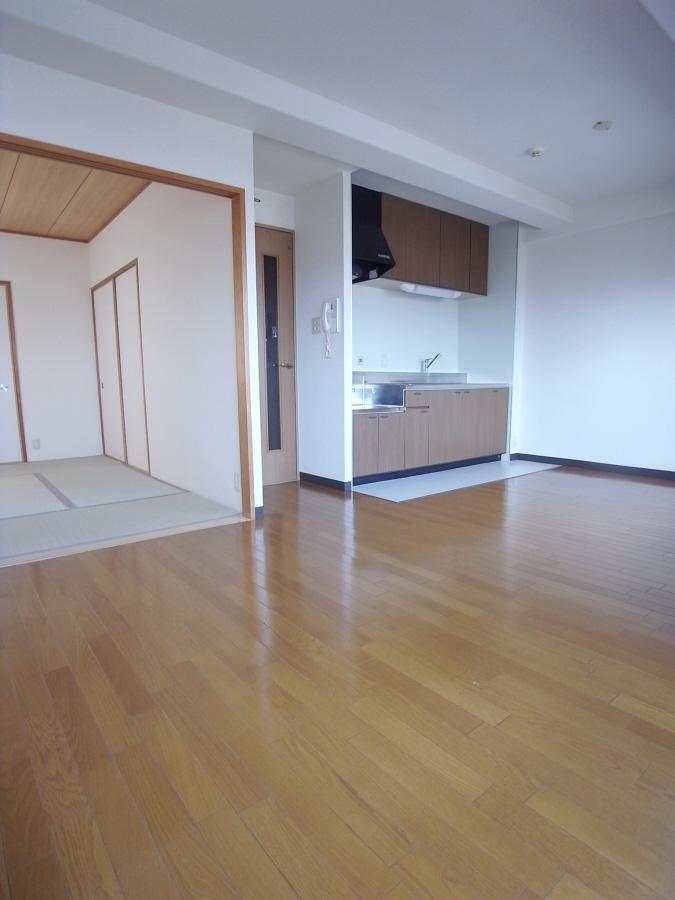 物件番号: 1025866907 エテルノ神戸  神戸市中央区国香通3丁目 2SLDK マンション 画像1