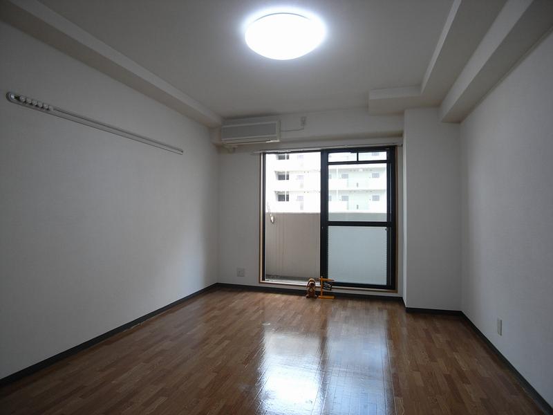 物件番号: 1025874681 カリエンテ三宮  神戸市中央区小野柄通3丁目 1K マンション 画像1