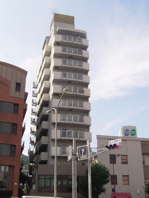 物件番号: 1025868958 グランドメゾン中山手  神戸市中央区中山手通4丁目 3LDK マンション 外観画像