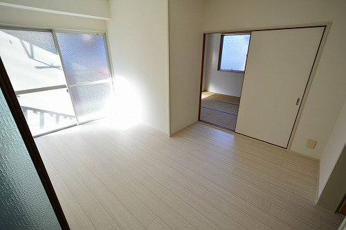 物件番号: 1025870549 ロイヤル中山手  神戸市中央区中山手通7丁目 2DK マンション 画像3