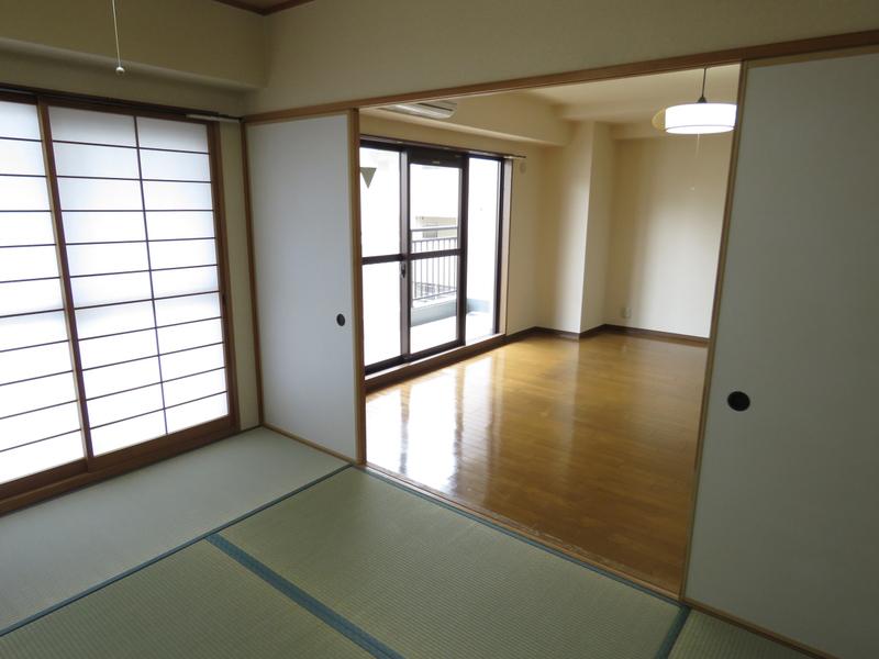 物件番号: 1025871841 北野フェニックス  神戸市中央区中山手通1丁目 2LDK マンション 画像4