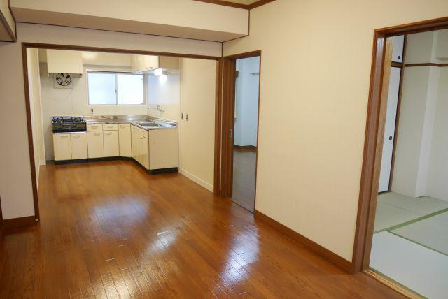 物件番号: 1025873556 ユートピア諏訪山  神戸市中央区山本通4丁目 3LDK マンション 画像2