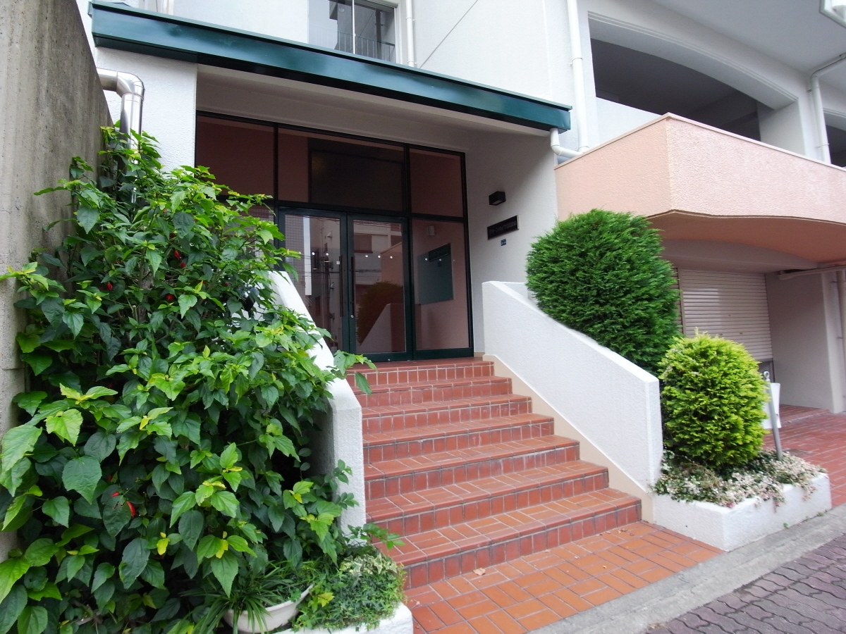 物件番号: 1025875325 グリーンハイツ諏訪山  神戸市中央区山本通4丁目 1LDK マンション 画像1