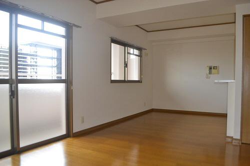 物件番号: 1025881285 摩耶コート壱番館  神戸市灘区都通2丁目 3LDK マンション 画像2